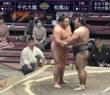 【画像あり】ネットで話題… 毎日、大相撲中継に映る謎の美女 「溜席の妖精」の正体…!